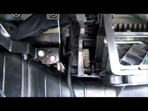 Replacing a VW Recirculator Flap Motor - YouTube