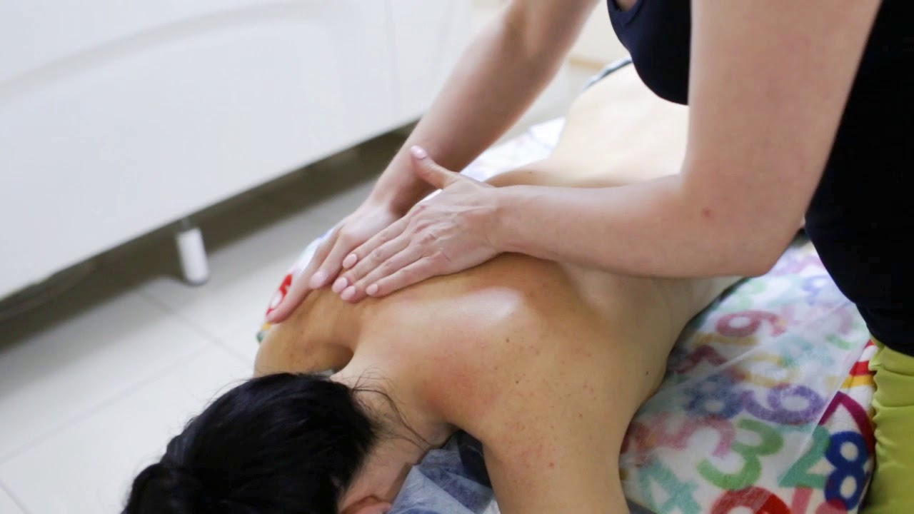 Секреты массажа спины девушки индивидуалки интим нижний новгород