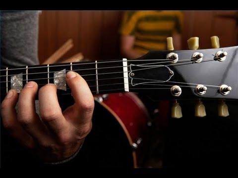 Как избавиться от пауз между аккордами. Для начинающих.