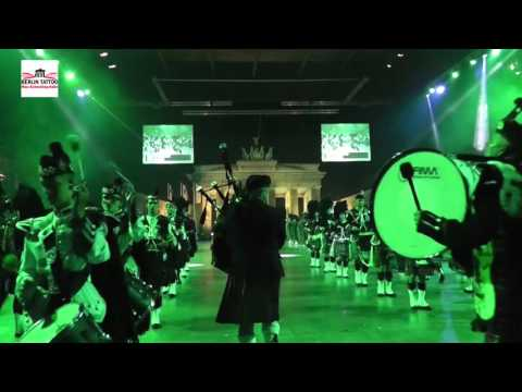 Crags of Tumbledown: massed pipes & drums @ Berlin Tattoo