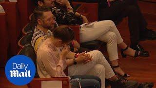 Amanda Knox cries during Criminal Justice Festival in Italy thumbnail