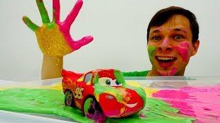 Цветные гонки для Молния Маквин. Игрушки из мультика Тачки.