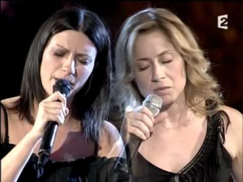 Laura Pausini & Lara Fabian - La Solitudine (Live) thumbnail
