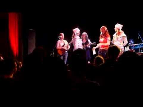 ingrid michaelson give holiday gifts live show new york