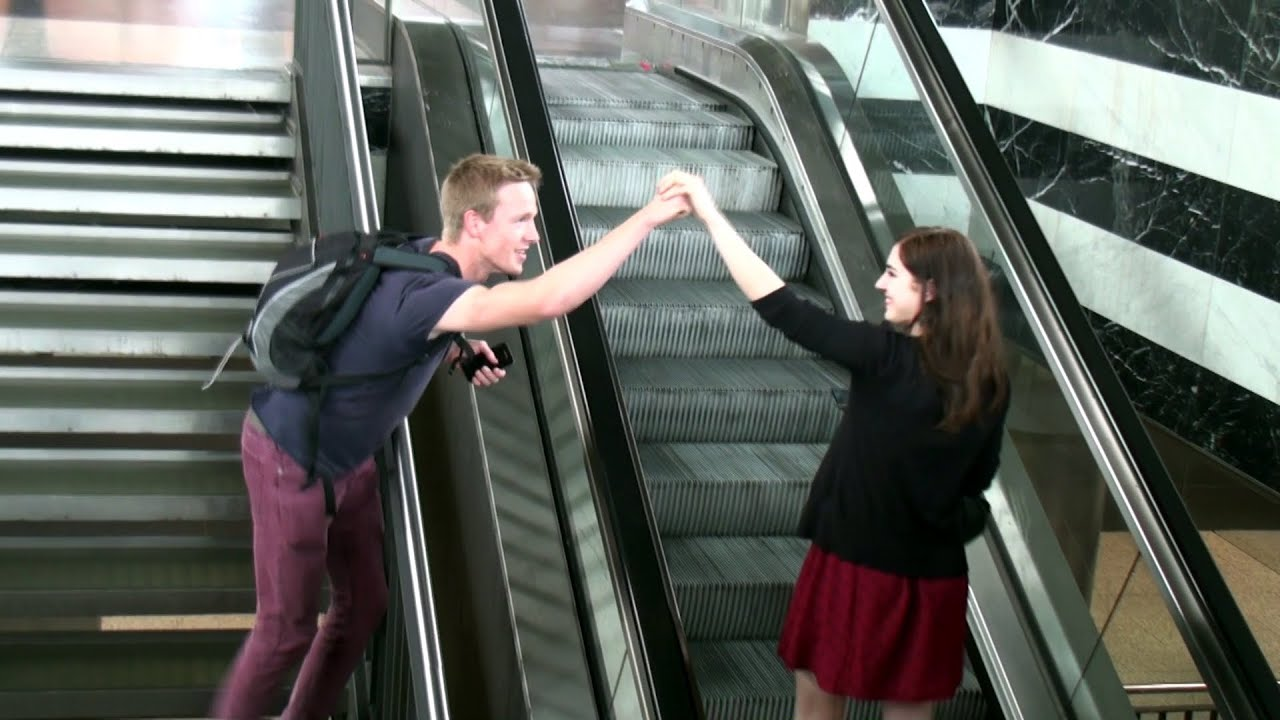 Prank High-Fiving Girls On Escalator How To Pick Up -2546