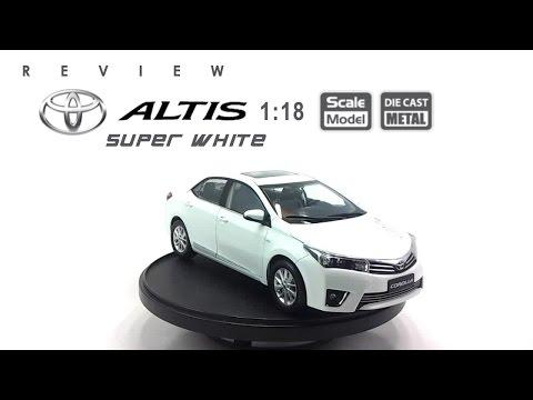 โมเดลรถ TOYOTA Altis 2014 (Super White) ขนาด scale 1:18