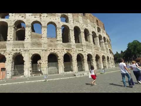 4K - Walking Outside The  Roman Colosseum - Rome Italy