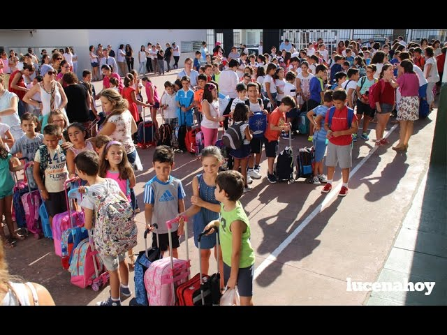 Vídeo: Más de 4.600 alumnos vuelven a las aulas en Lucena con motivo del nuevo curso escolar