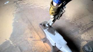Пескоструйная обработка металла(Очистка наковальни от ржавчины пескоструйной обработкой., 2015-12-31T15:31:36.000Z)