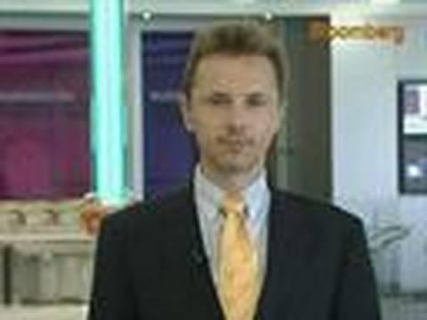 SJS's Kowalczyk Favors `Risky Assets' Outside Gulf Area: Video