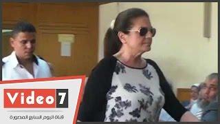بالفيديو..طرد زوجة إبراهيم سليمان من محاكمة
