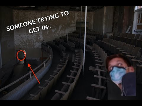 Abandoned Mineral Wells High School (Someone trying to get in!!)