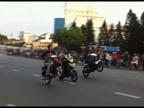 GIẢI ĐUA XE MÔTO KINH HOÀNG NHẤT HÀNH TINH - YouTube