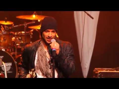 Julian Smith Sax | Performing Ti Amaro