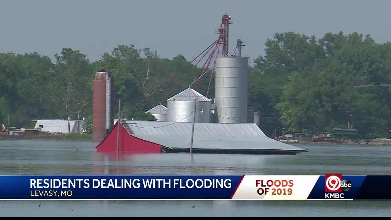 Levee breaches flood Levasy, Missouri with feet of water