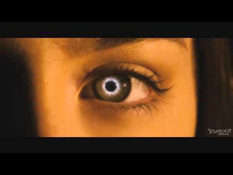 Гостья (2013) смотреть онлайн в хорошем качестве HD