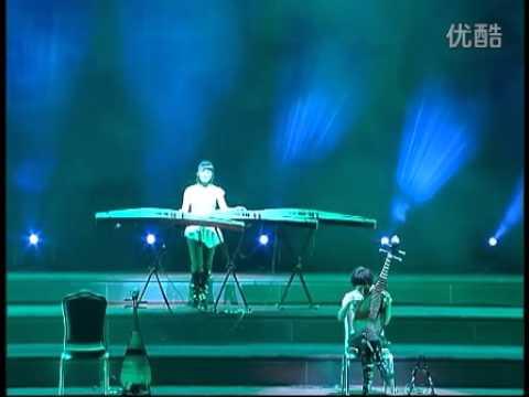 12 GirlsBand 女子十二乐坊 - 2011 New Year Concert - Part 1/4
