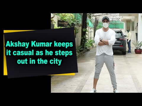 akshay-kumar-keeps-it-casual-as-he-steps-out-in-the-city