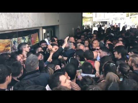 Protestas y tensión por la presencia de Álvarez de Toledo en un acto de la UAB