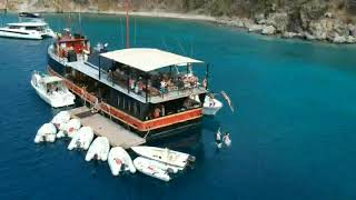 Willy T - Norman Island BVI | St Thomas Boat Rental | Phoenix Island Charters
