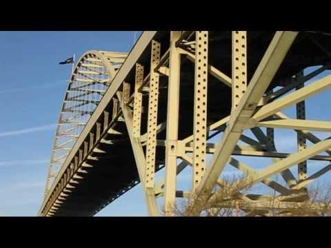 The Fremont Bridge in Portland, Oregon
