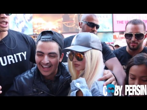 Fake Kylie Jenner Pranks New York City!