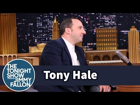 Tony Hale Is Pretty Sure His Wife Doesn't Like Him