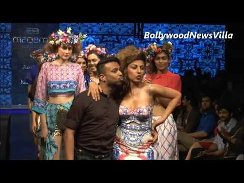 Hard Kaur's Naughty and Dirty ramp walk CAUGHT ON CAMERA.