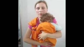 Слинг с кольцами. Вертикально на животе. www.MamaMia.by(Эта видео инструкция покажет Вам как надевать слинг. И как правильно поместить малыша в кольцевой слинг..., 2010-03-25T09:14:14.000Z)