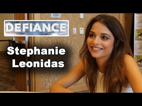 Defiance  Stephanie Leonidas  ComicCon 2014