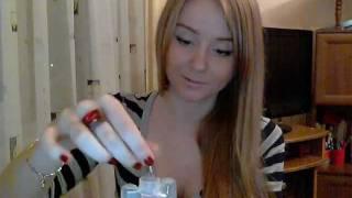 видео Как использовать витамины А и Е для волос