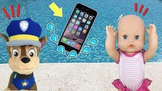 Bebes nenuco y paw patrol: movil en la piscina.Patrulla canina salva iphone con 24 horas en arroz