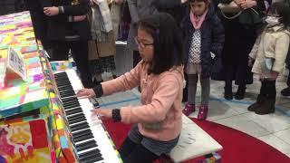 品川駅 ストリートピアノ 【ショパン 革命のエチュード】小3 thumbnail