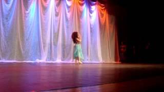 Apresentação de Khadja Victória Bacha Cury - Dança do Ventre 9 anos