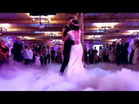 Taniec W Chmurach Dworek Nad Stawem - Dekoracja Światłem Na Wesele Śląsk SHOWLIGHT