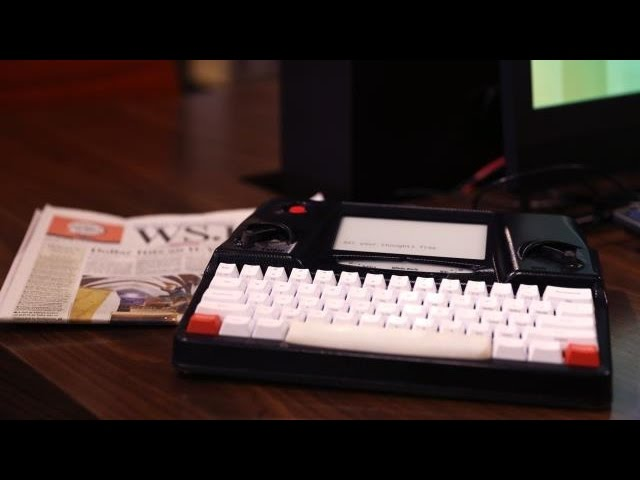 Distraction-Free Writing with Hemingwrite | CES 2015