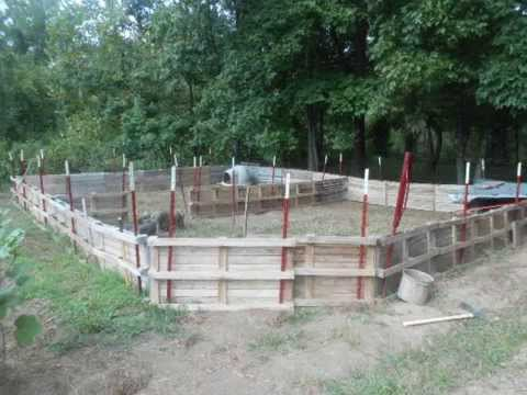 Homestead Pigs Build A Pig Pen Youtube