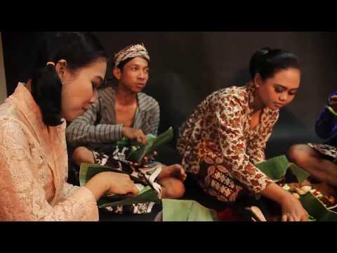 Tumpengan - Bancakan (Indonesian traditional food)