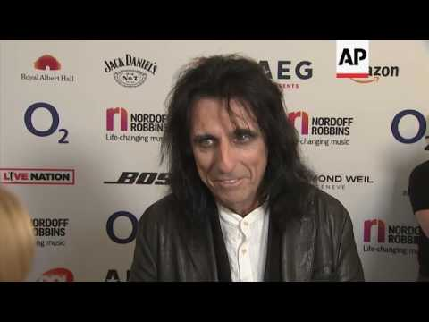 silver-clef-attendees,-including-alice-cooper-and-barry-gibb,-discuss-how-music-changed-their-lives