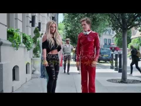 Britney Spears Catches Kevin Bacon Dancing (Apple Music UK Commercial)