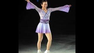 浅田真央、アイスショーでファン魅了