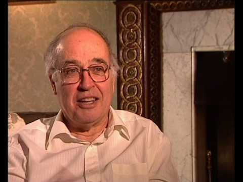 Michael Atiyah - How mathematics can become an obsession (27/93)