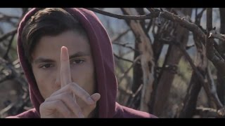 Ax-Dc - Solo Un Momento (Official Video)
