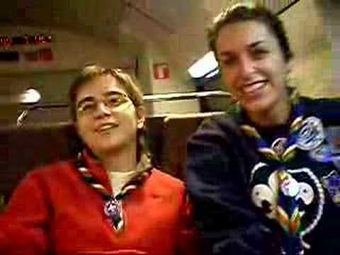 Akela y Bagheera en la Renfe