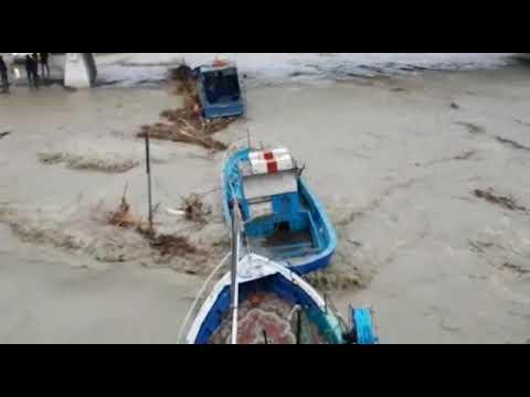 Barca affonda maltempo Mazara del Vallo Sicilia