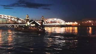 Развод мостов на Неве.Белые ночи.