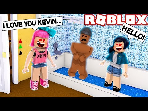 CRAZY FANS BREAK INTO MY ROBLOX HOUSE