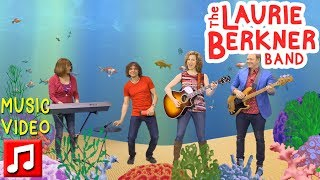 the-goldfish-let-s-go-swimming-by-the-laurie-berkner-band-20th-anniversary-edition