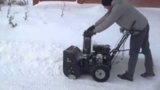 Снегоуборщик Hyundai S6560 в работе смотреть