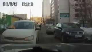 Девушки за рулем)))